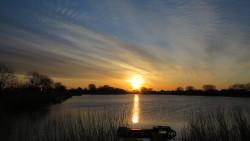 中沼からの朝日1