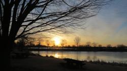 西沼からの朝日